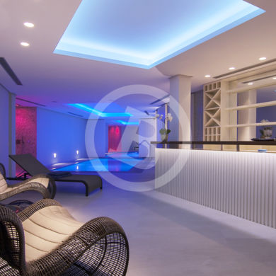 Interior jacuzzi photography, indoor lightning