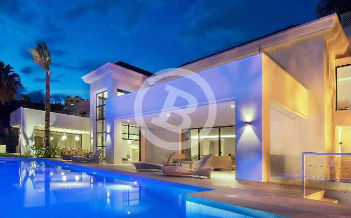 Real estate night photography for an exclusive property developer in Marbella, Málaga