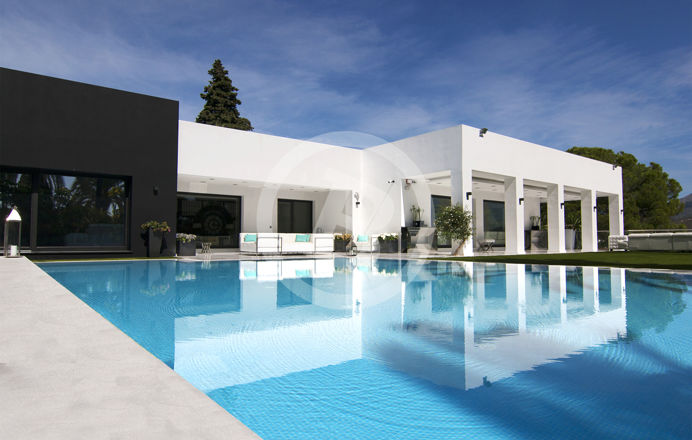 Exterior real estate photography of a villa in Marbella area, Malaga