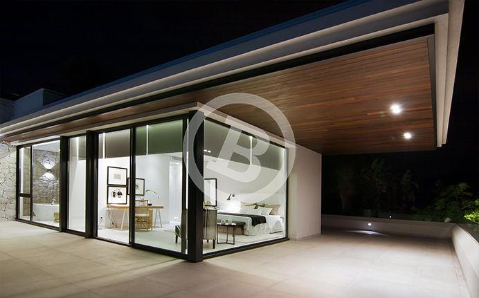 Night photography with great perspective taken of a luxury villa in Marbella, Málaga